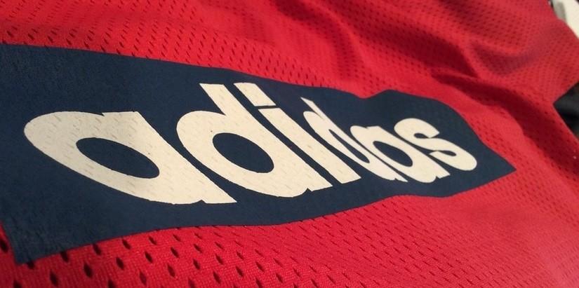 O movimento estratégico da Adidas para elevar o seu faturamento