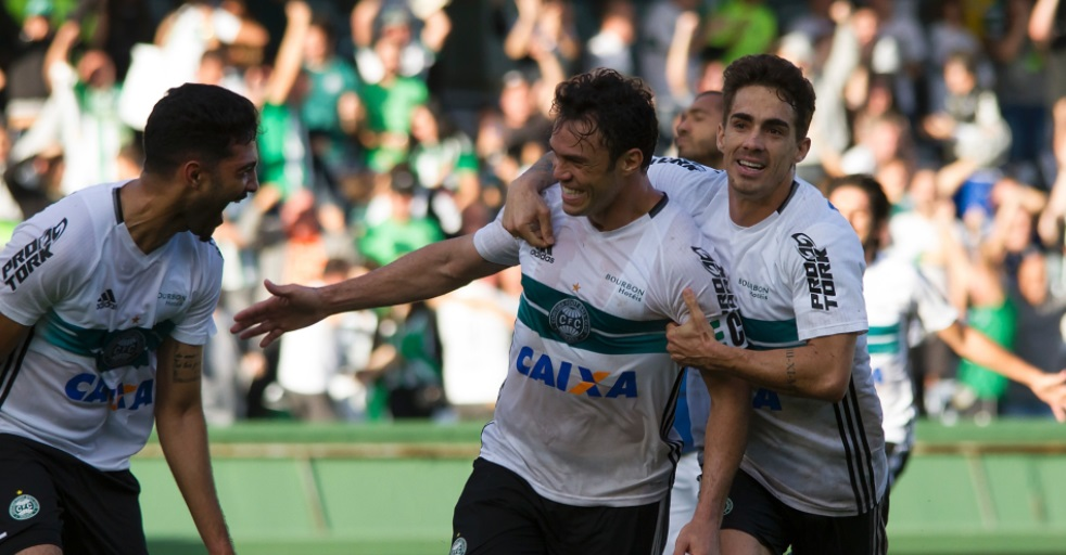 Por receita e visibilidade, Coritiba fecha com a Globo para o Paranaense 2018 e 2019