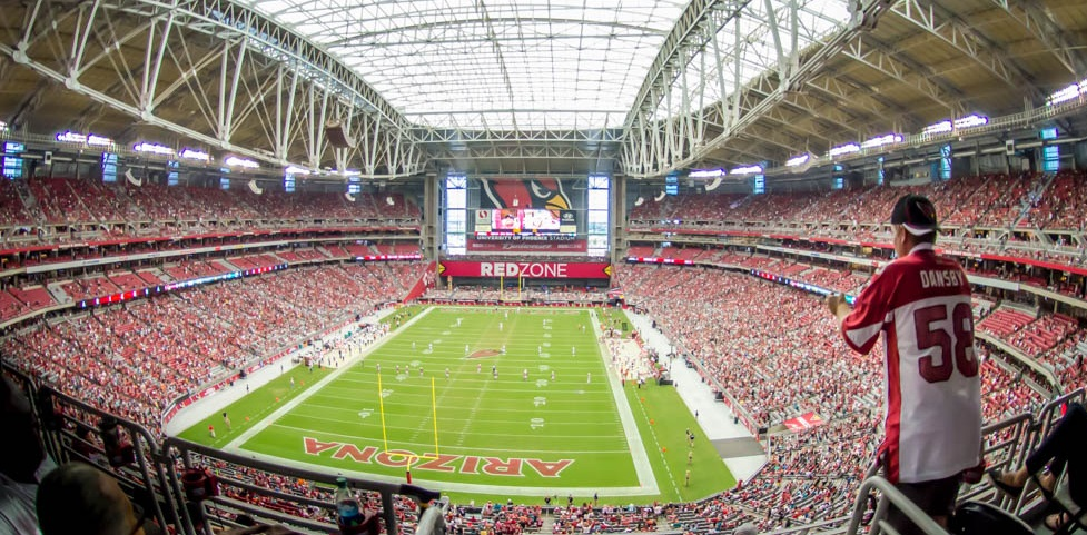 State Farm fecha naming right da casa do Arizona Cardinals, da NFL