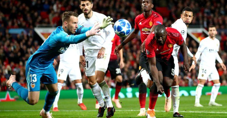 Um cachecol da Adidas poderá fazer o Valencia ser multado pela UEFA
