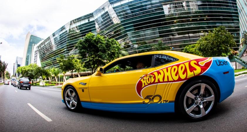 Ronaldinho Gaúcho participa de ação da Uber em parceria com Hot Wheels