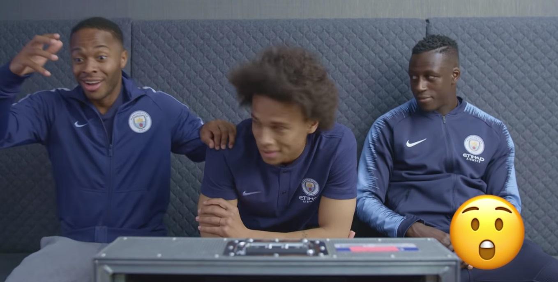 Trio do Manchester City ajuda usuário em ativação do Tinder