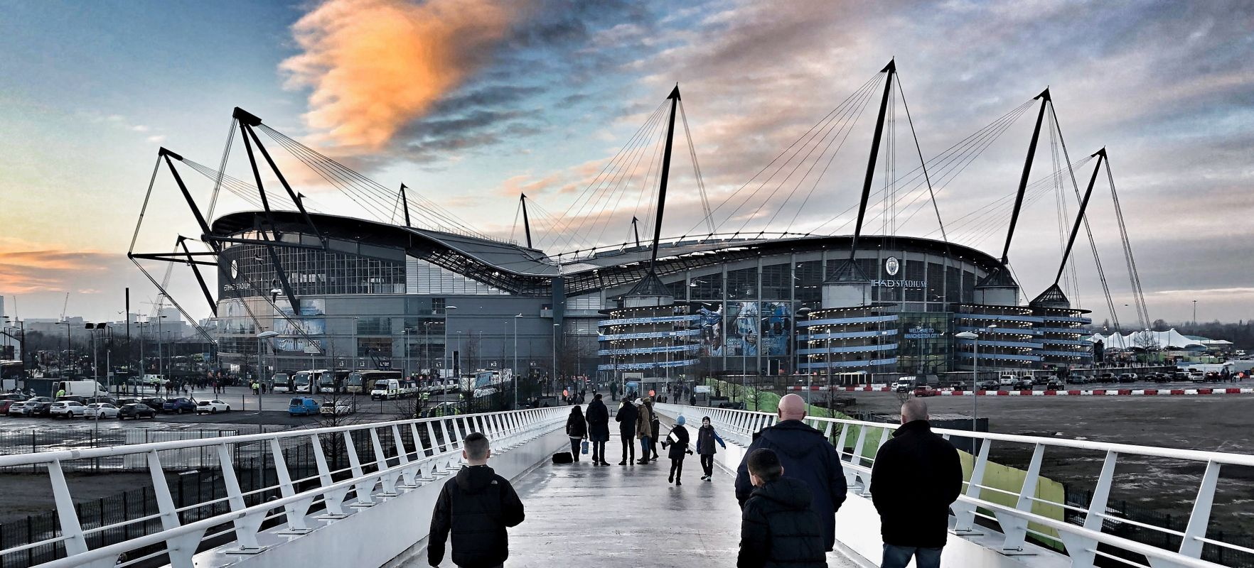 Manchester City planeja ampliação do Etihad Stadium