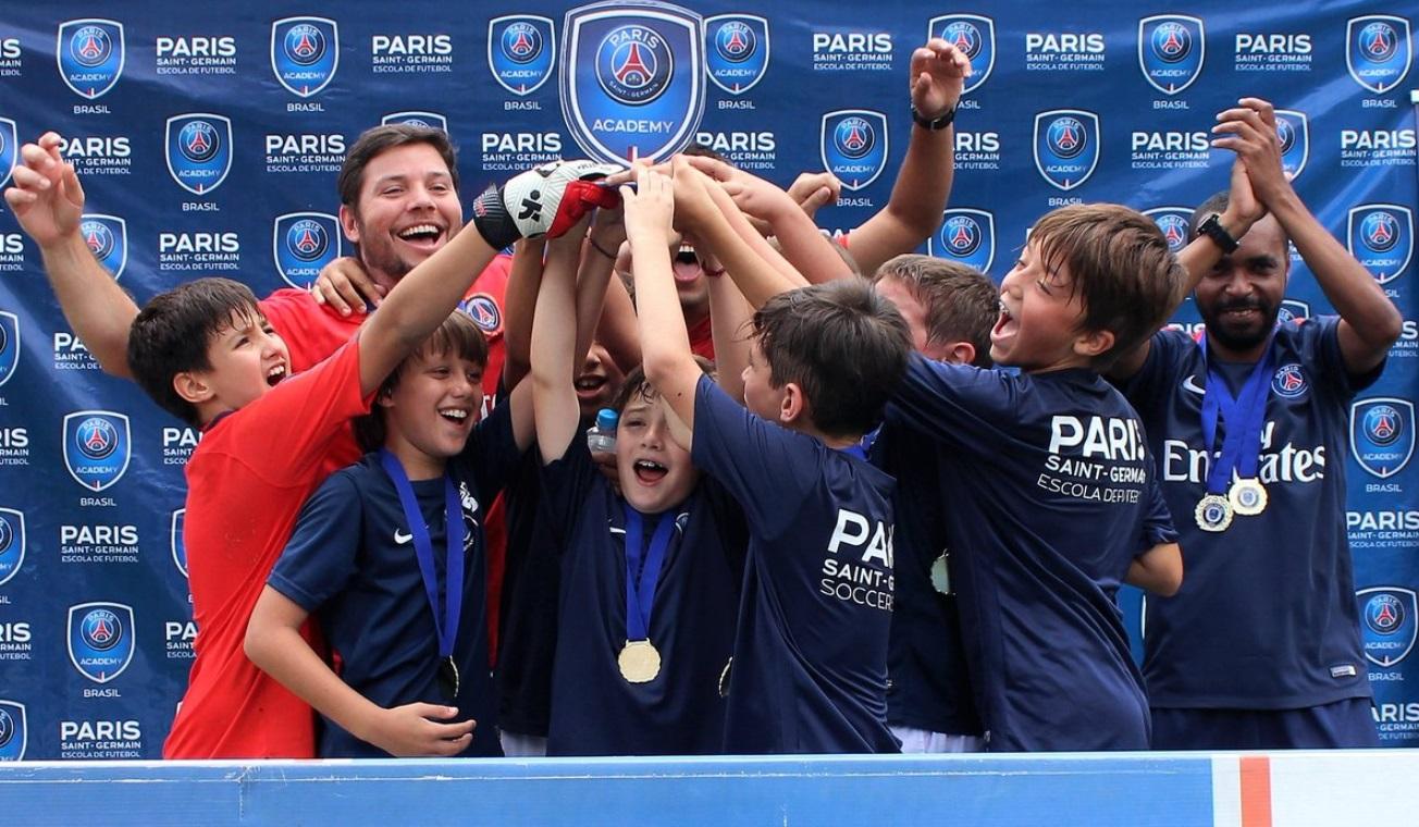"""O """"efeito-Neymar"""" nas escolinhas do Paris Saint-Germain no Brasil"""