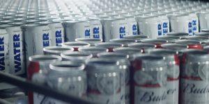 Para 'elevar a cerveja', AB InBev compra oito anúncios no Super Bowl 2019