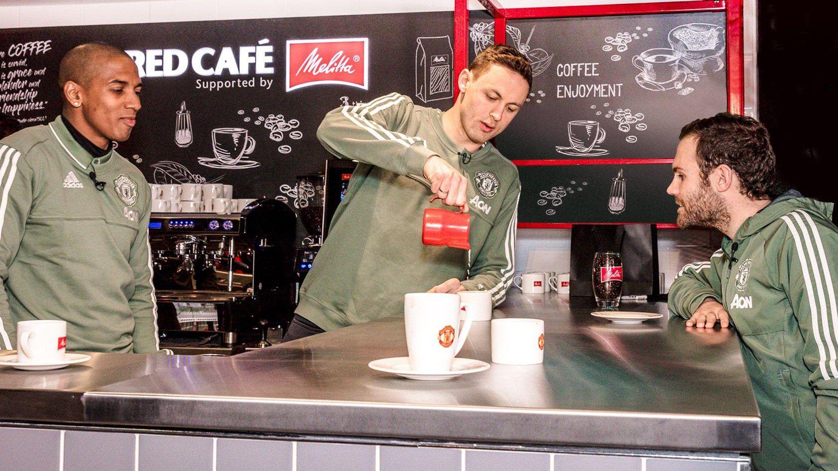Café Melitta ativa mercado brasileiro em ação com Manchester United