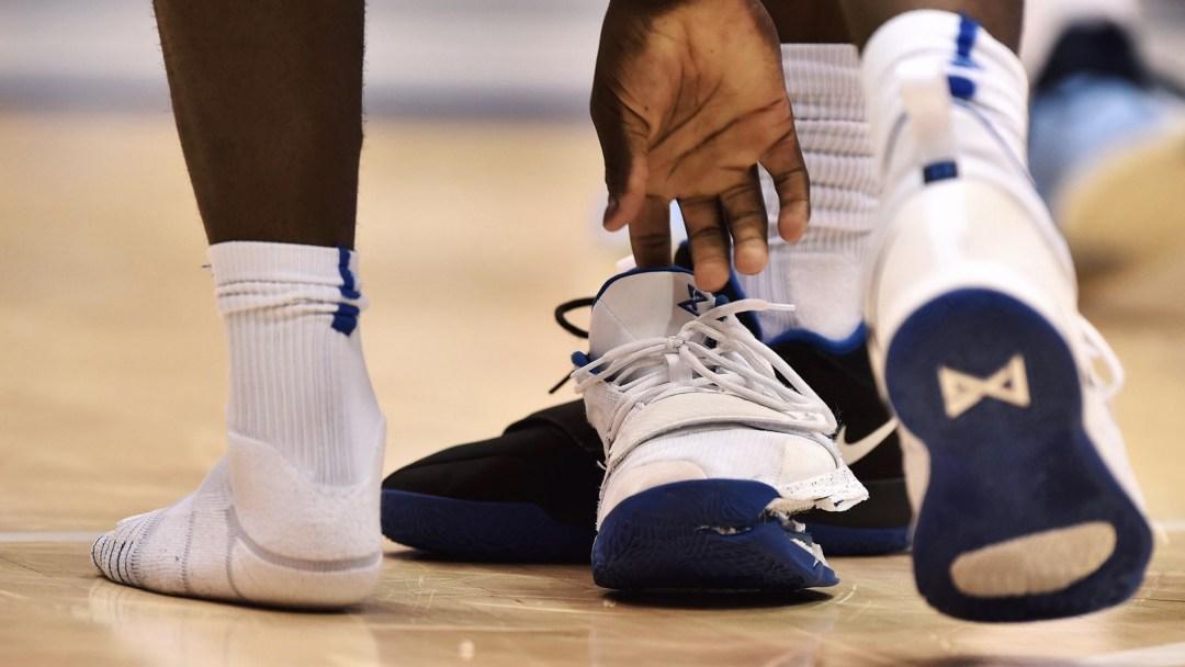 Ações da Nike caem após lesão de astro do basquete universitário