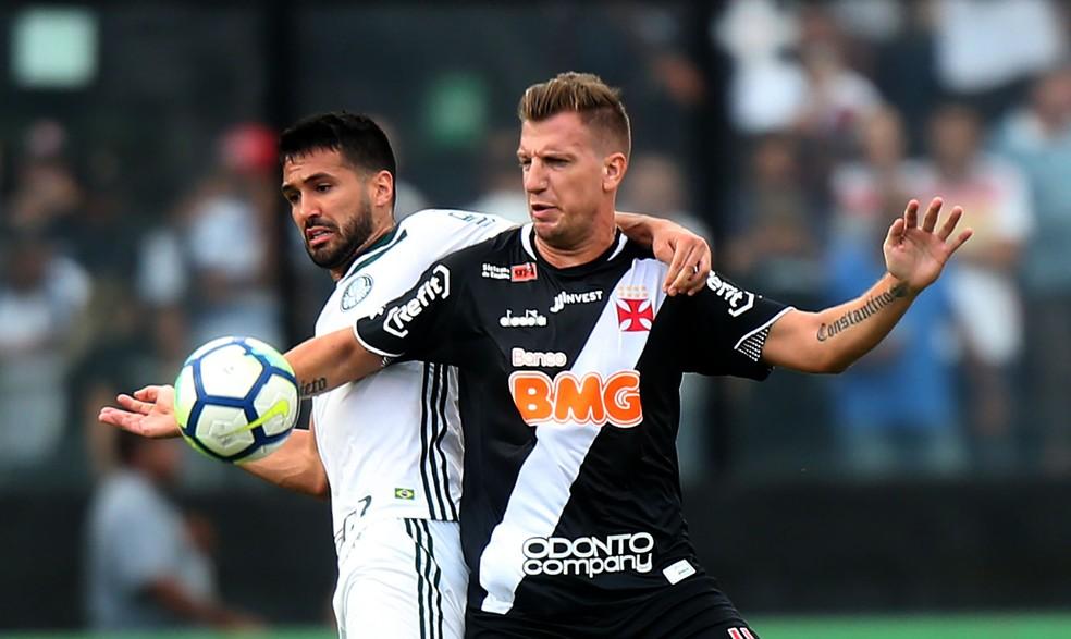 Após Corinthians e Atlético, BMG repete modelo em máster com o Vasco