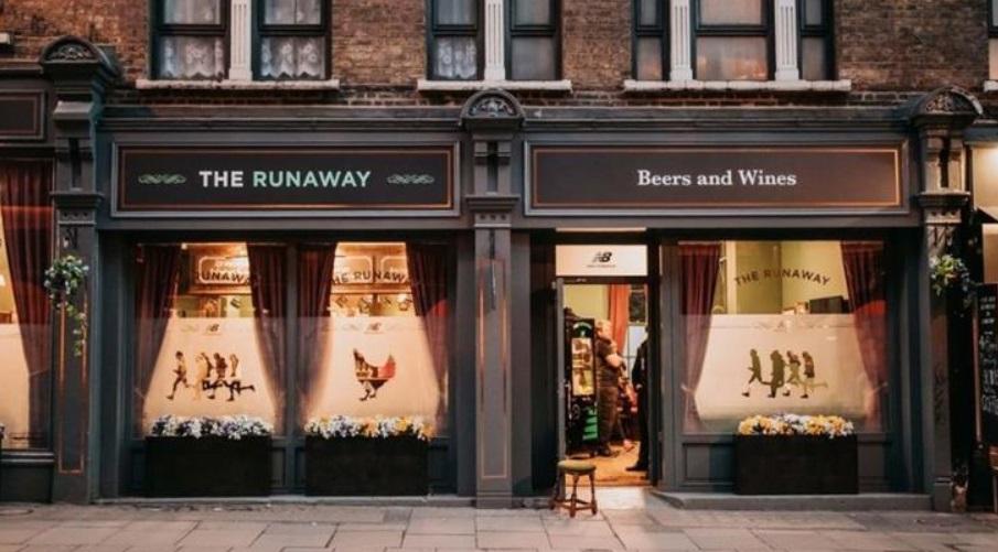 New Balance inaugura bar que troca distância percorrida por cerveja