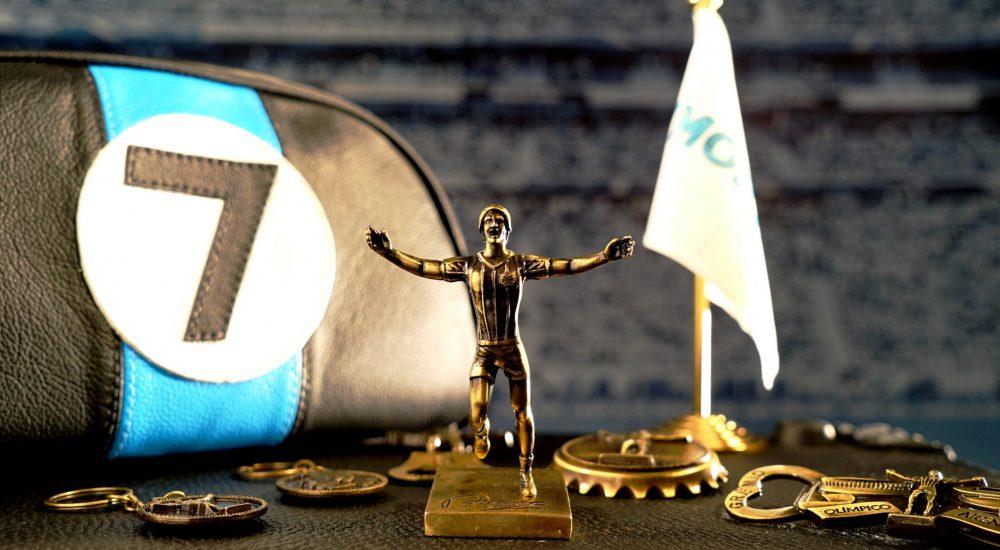 Após estátua, Grêmio lança licenciados para homenagear Renato Gaúcho