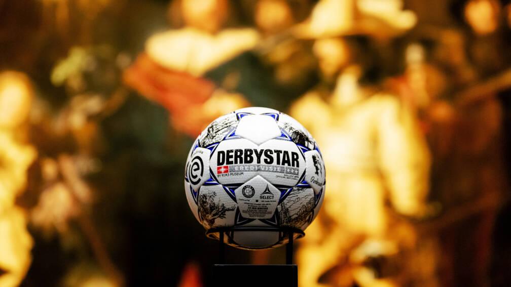 Eredivisie usará bola decorada com as obras de Rembrandt
