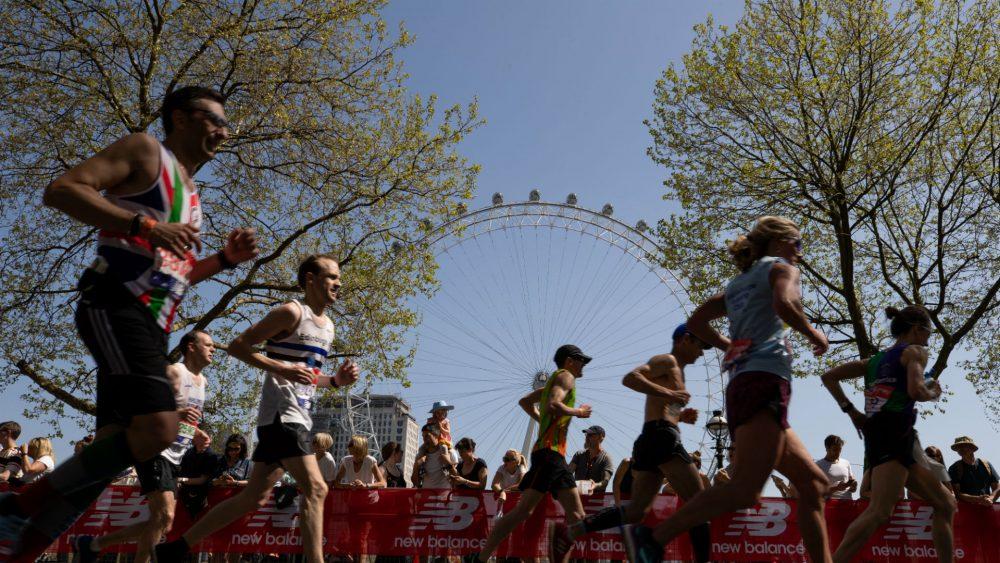 New Balance ativa Maratona de Londres com pub e coleção de roupas oficial