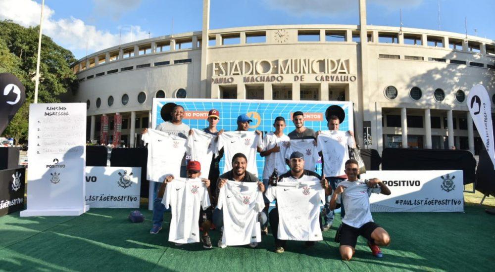 Positivo ativa patrocínio ao Corinthians com ingressos e camisas autografadas