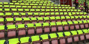 Rebaixado, Huddersfield Town presenteia torcedores com camisas oficiais