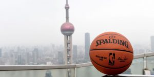 Empresas chinesas suspendem acordos com a NBA