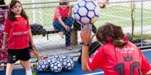 Turma da Mônica terá acampamento de futebol exclusivo para meninas