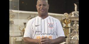 Marcelinho Carioca protagoniza ação social do Corinthians com BMG