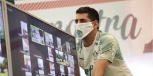Palmeiras envia máscaras com patrocinadores para associados