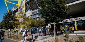 Torcedores da Serie A italiana e Bundesliga retornam aos estádios