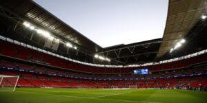 Contra decisão do governo, Premier League pede reabertura dos estádios