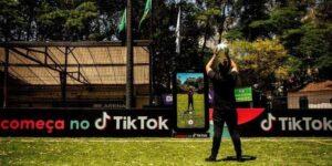 TikTok instala painel para jogador comemorar gol na Copa do Brasil