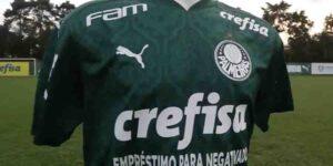 Crefisa usa clássico para promover serviço de empréstimo na camisa do Palmeiras