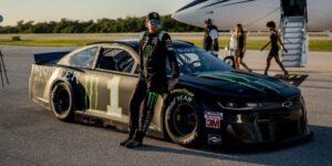 Monster Energy faz ação para celebrar a carreira do piloto Kurt Busch