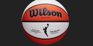 Wilson apresenta nova bola oficial de jogo da WNBA