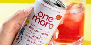Pioneira no balance drink, One More apresenta nova embalagem