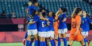 Seleção feminina de futebol dobra média de audiência da Globo