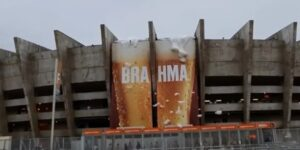 Brahma ativa 'Brahmosidade' e deixa Mineirão repleto de espuma